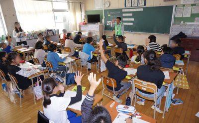 西日本新聞に柳川むつごろう会の活動が掲載されました。